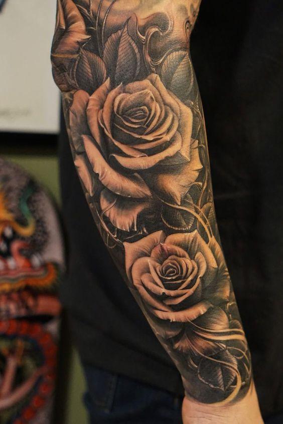Rękaw W Róże Lilie Piękny Pomysł Na Tatuaż
